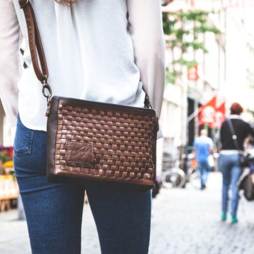 handgemaakte gevlochten tas schoudertas beau bruin